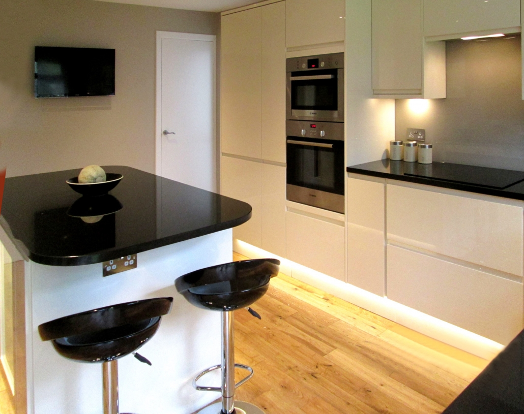 Howdens kitchen installed as part of a renovation in Cramond Glebe.